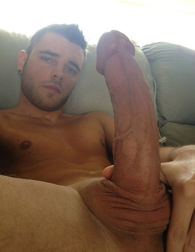 Very Sexy Nude Gay Cam Guy With Boner - Nude Man Post
